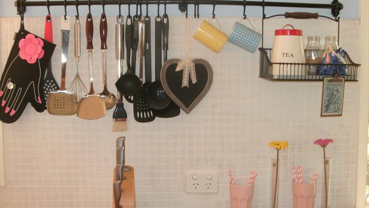 Bersihkan Ragam Peralatan Dapur