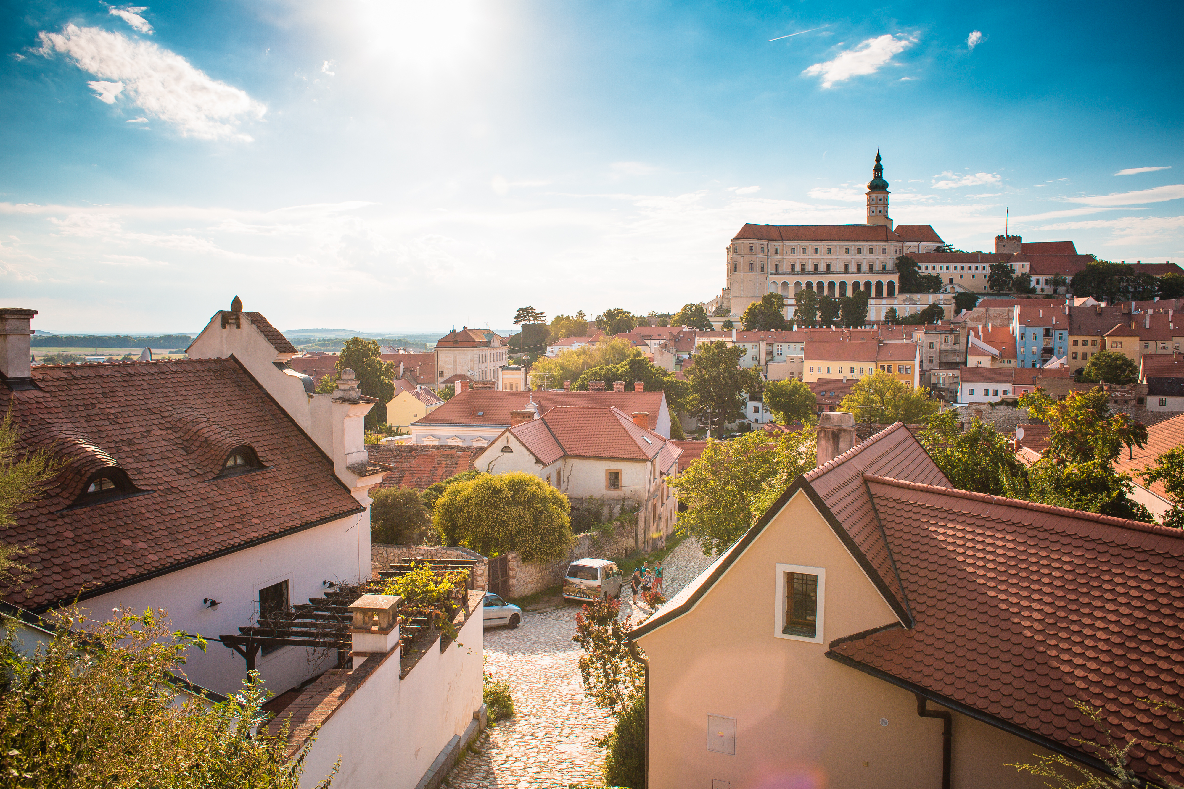 Http Rumahcom Berita Properti 2016 9 136102 Tips Cari Rumah 1006 Karpet Cantik Wonderful City Of Mikulov Czech Republic Picjumbo Comoriginal