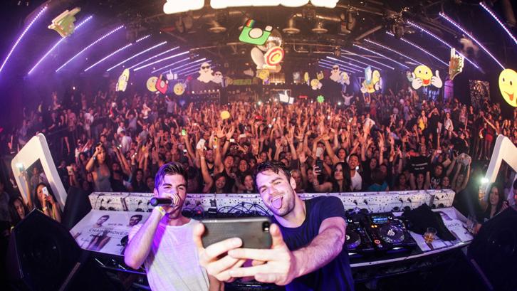 Intip Interior Rumah Duo DJ Kondang, The Chainsmokers ...