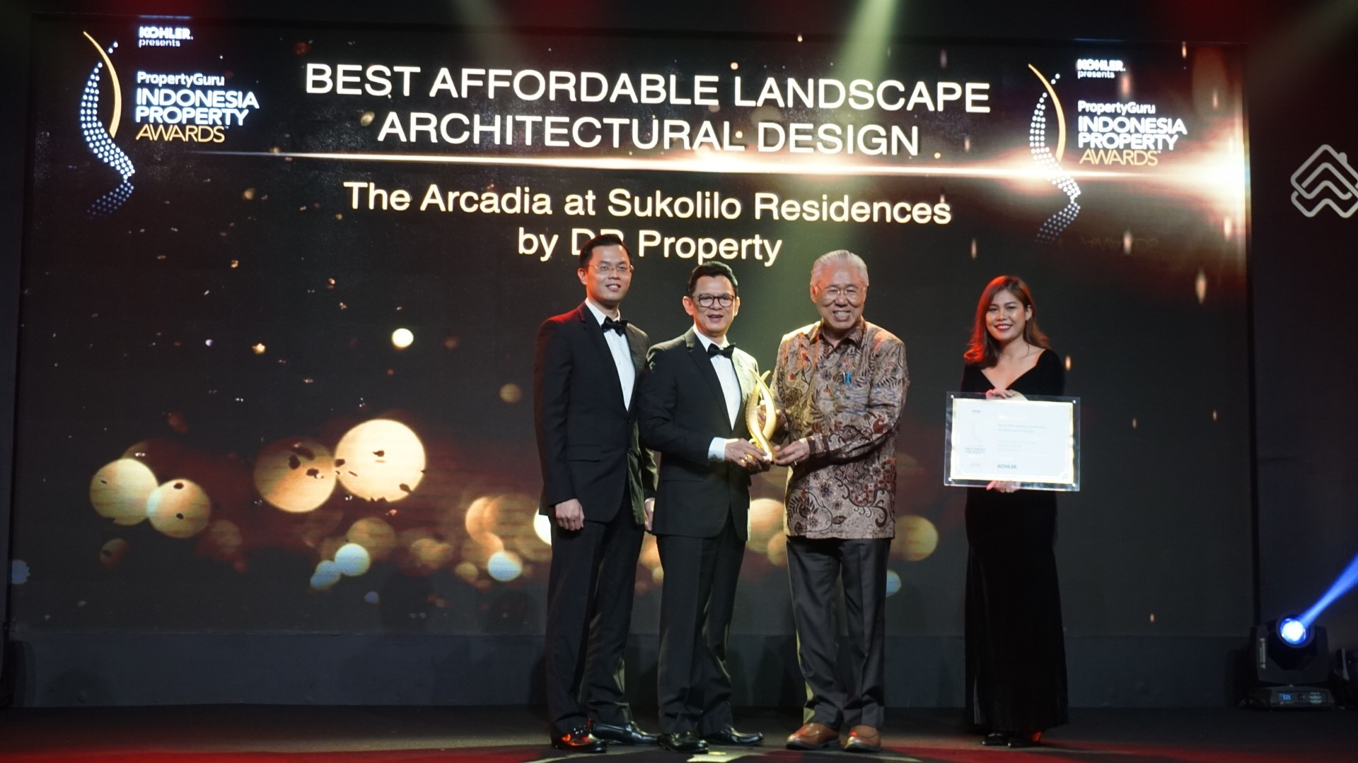 Https Rumahcom Berita Properti 2018 11 176671 Rumah Rp400 Hillary Sofa Minimalis Unik Hotel Modern L Bed Bantal Custom Indonesia Property Awards 2018original