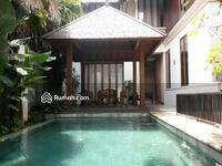 Dijual - Rumah Gaya Bali di Cipete