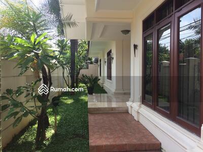 Dijual - 4 Bedrooms Rumah Ampera, Jakarta Selatan, DKI Jakarta