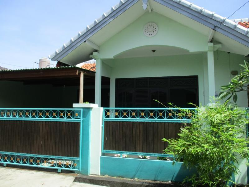Minimalist house rumah with good access at jimbaran bali for Minimalist house jakarta