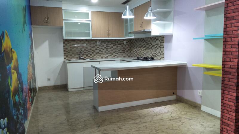 Apartemen Royale Springhill Residence 2br luas 119m2 #70275098