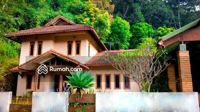 Dijual - 5 Bedrooms Rumah Lembang Cibodas, Bandung, Jawa Barat