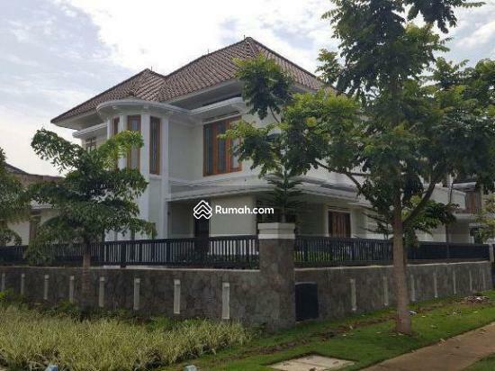 Dijual Rumah Mewah Besar Asri Koridor Bandung Tempo Doeloe Kota
