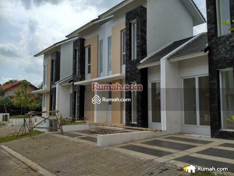 Dijual Cepat Rumah Paling Murah Lingkungan Nyaman dan Strategis Di Graha Raya #84590660