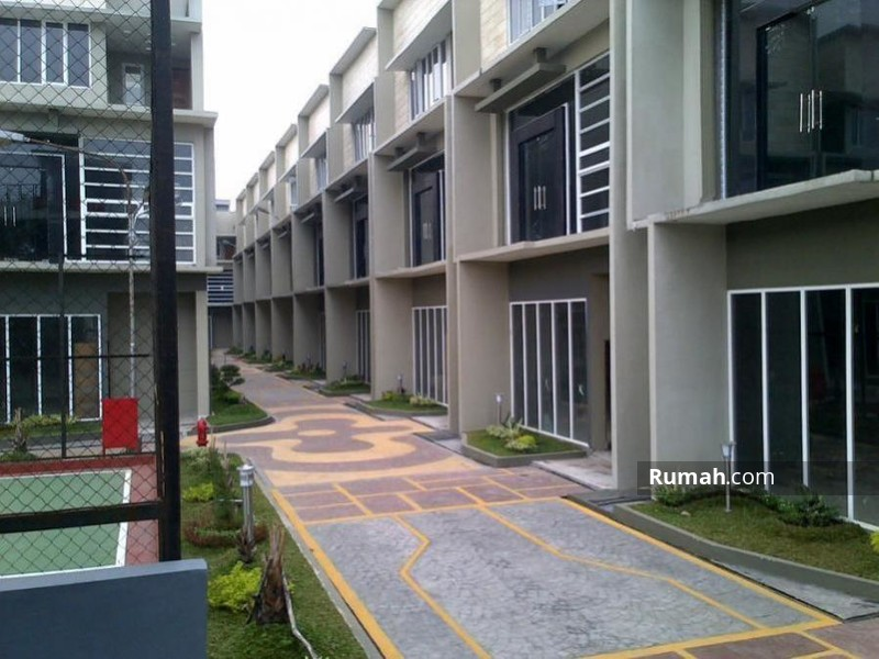 Villa Komplek Platinum Garden Jalan Zein Hamid Komp Platinum Garden Medan Maimun Medan Sumatera Utara 1 Kamar Tidur 384 M Vila Dijual Oleh Kelvin Tanady Rp 2 M 15767726