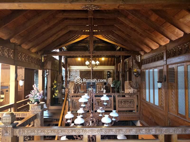 Dijual RUMAH KLASIK ARTISTIK JOGLO Full Jati Ukiran dan Furnished dg Perabotan Spektakuler di Bekasi #89953986
