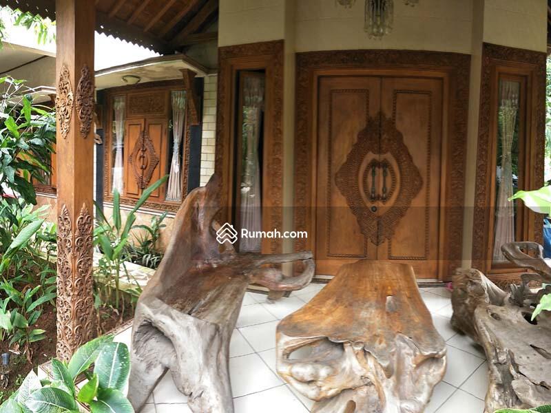 Dijual RUMAH KLASIK ARTISTIK JOGLO Full Jati Ukiran dan Furnished dg Perabotan Spektakuler di Bekasi #89954064