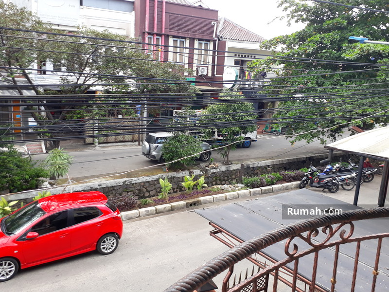 Rumah di Jalan Raya, 2 lt, Lt/Lb 170/255. #89214902