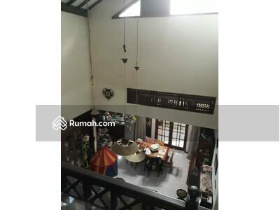 Dijual - Rumah di lingkungan perumahan Nyaman dan Strategis
