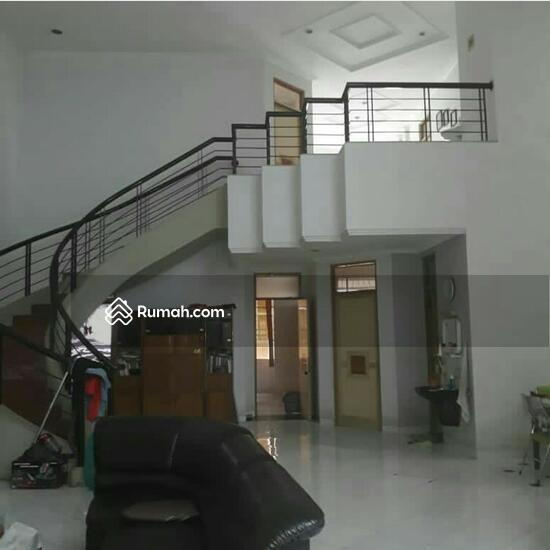 The Jarrdin Cihampelas Kota Bandung Jawa Barat: Jl. Peta, Kota Bandung, Jawa Barat, Indonesia, Jalan Peta
