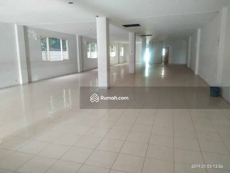 Disewakan Gedung di Kemang ~ Parkir Luas ~ Lokasi Strategis (DW) #88283312