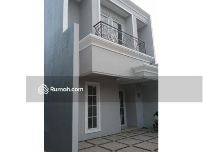 Dijual - 2 Bedrooms Rumah Utan Kayu, Jakarta Timur, DKI Jakarta