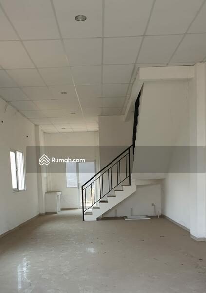 Ruko Strategis dan Menguntungkan di Kawasan Rempoa, Jakarta Selatan #89083934