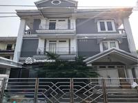 Disewa - Rumah daerah komersil dan perkantoran