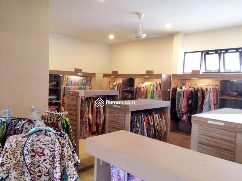 Rumah Model Toko Bekas Untuk Jualan Batik Jogja Malioboro