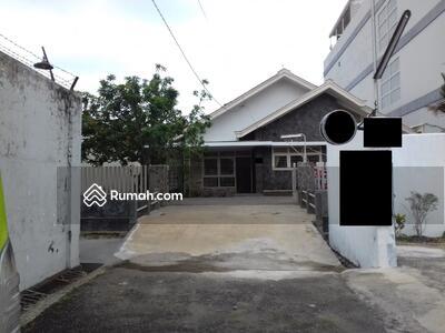 Dijual - Dijual Rumah Tinggal di Jl Merdeka tempat aman dan nyaman , masuk mobil