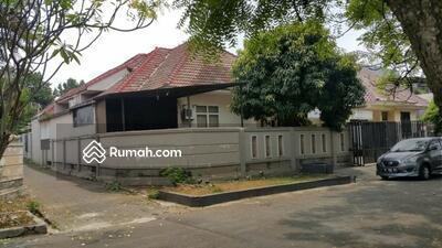 Dijual - Dijual Rumah Posisi Hoek di Sektor 1B Gading Serpong