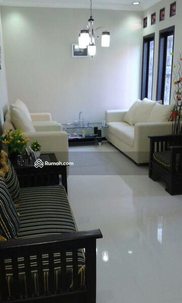 Rumah tingkat minimalis modern Cilacap #92407532