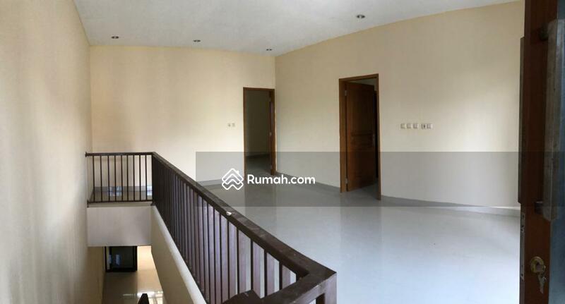 Mirip brand New Type 130/140 Harga 1,8M akses deket Exit Tol Joglo - Meruya - Petukangan #109095928