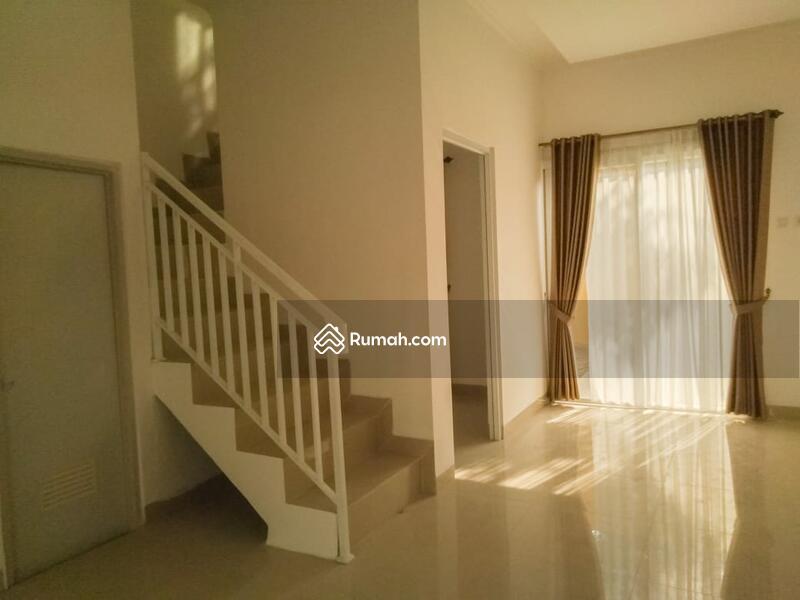 Dijual Murah Rumah 2 Lantai Desain Minimalis Dekat Stasiun Cisauk #92668872