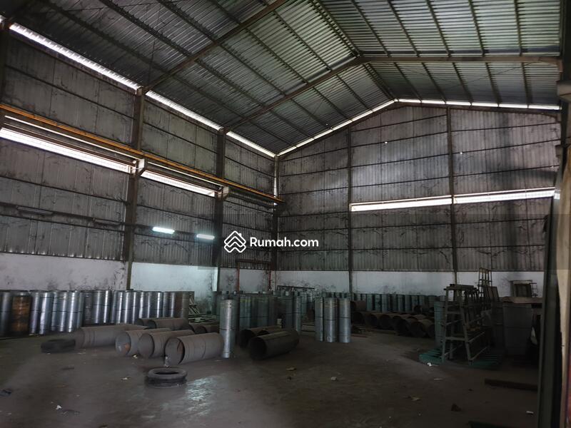 Dijual Cepat gedung kantor dan workshop di Narogong Raya #93110860