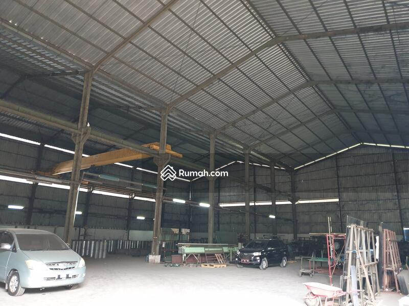 Dijual Cepat gedung kantor dan workshop di Narogong Raya #93110870