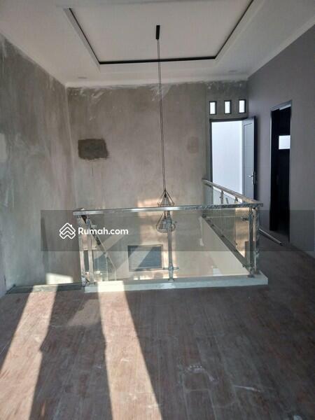 Rumah mewah di Jatiwaringin murah bayar mudah #93694344