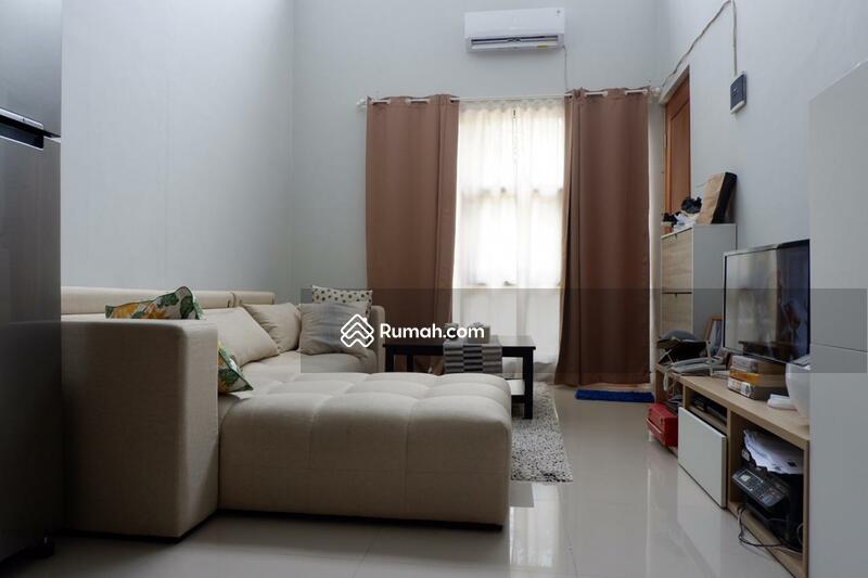 Disewakan Rumah Full Furnished Design Minimalis Siap Huni #93991848