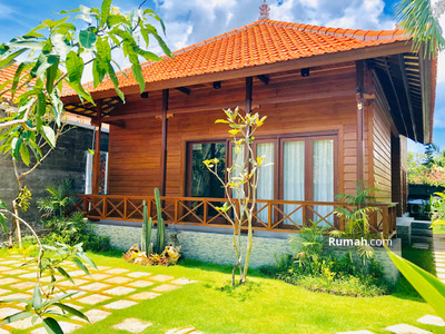 Disewa - 2 Bedroom Wooden Home in West of By Pass Sanur