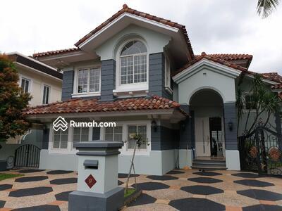 Dijual - 7 Bedrooms Rumah Lippo Karawaci, Tangerang, Banten