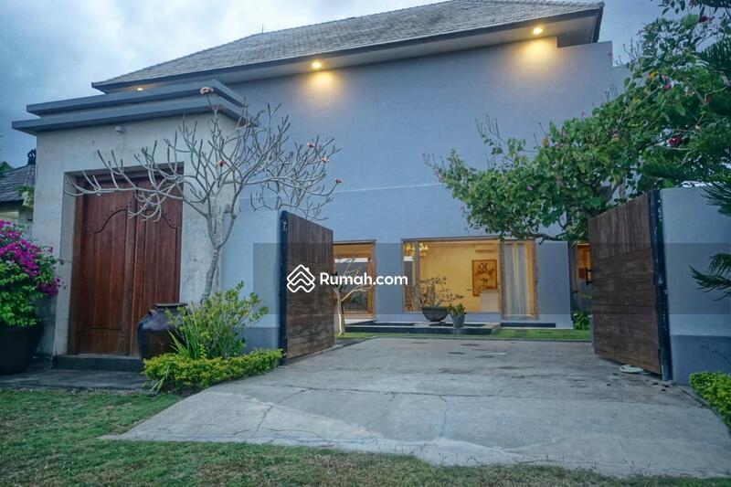 Villa Cantik Dekat ke Garuda Wisnu Kencana di Jl. Goa Gong, Ungasan #95164172