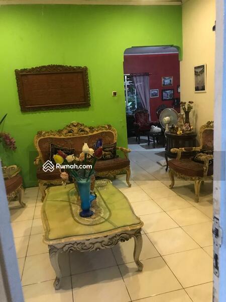 Dijual Rumah second Lokasi Strategis Di lenteng agung Jakarta Selatan #95404172
