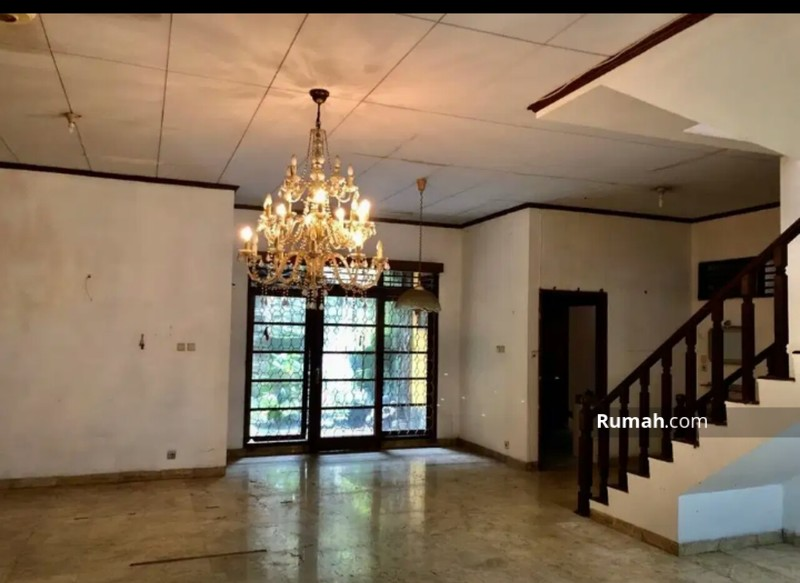 Rumah 2 Lantai, butuh renovasi, bks kantor murah Pancoran Jakarta selatan #95821642
