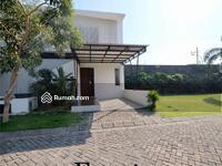 Dijual - Perumahan Surabaya Barat Dian Istana cluster Moca Vrbana, semi furnish