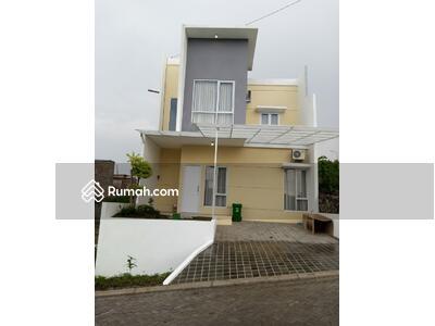Dijual - Rumah istimewa 3 kamar tidur 2 lantai free BPHTB