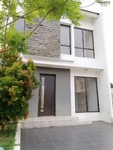 DiJual Rumah 2 Lantai Siap Huni Bangunan Baru Di Graha Raya Bintaro