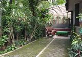 Rumah Luas Lokasi Bagus Sayap Riau, Cihapit, Bandung