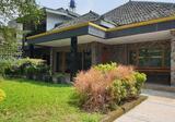 Rumah Luas Terawat Sayap Riau, Cihapit, Bandung