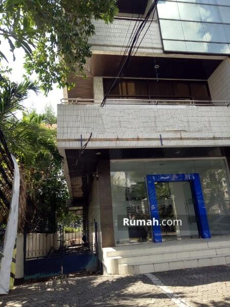DIJUAL Gedung 4 lantai di jl. Wahid Hasyim Luas (14x40) 560 m2 Menteng Jakarta Pusat #101687776
