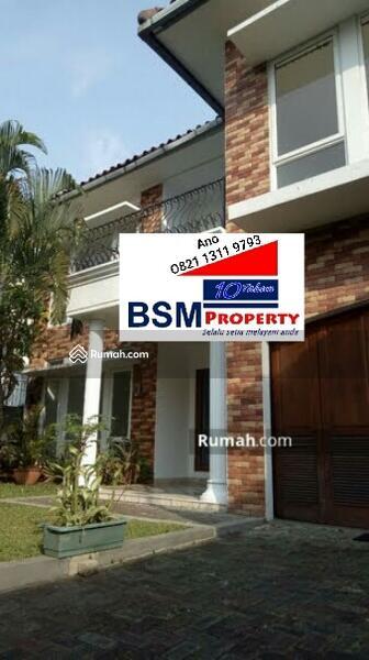 Dijual Segera Rumah Mewah 2 Lantai, Ada Kolam Renang & Taman Asri, Strategis di Kemang, Jaksel #98140538