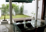 Rumah Furnished Bverly Hills Townhouse