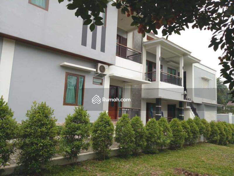 Rumah Serasa di Villa dgn Halaman Luas di Jl Lembah Pasir Cijantung 4 JakTim #96705394