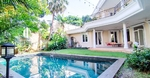 Kemang Luxirious Classic House Area Exclusive