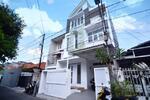 TEBET TIMUR - Akses 2 Mobil, Rumah 3 Lantai Brand New