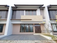 Dijual - Dijual CEPAT Rumah 2Lantai Cantik dan Nyaman Siap Huni di Graha Raya Bintaro