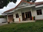 oper kontrak rumah besar dengan halaman luas didekat bandara maguwoharjo