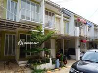 Dijual - 3 Bedrooms House Ciputat, Tangerang Selatan, Banten